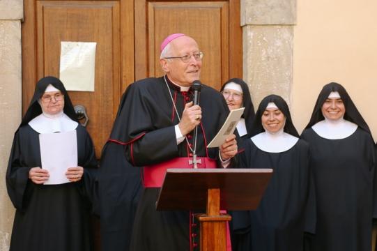 Monastero, Benedettine, Palazzo, Simoncelli, Clausura, Centenario